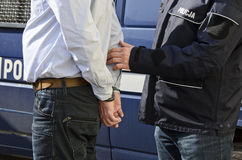 L'arrestation d'un homme images stock