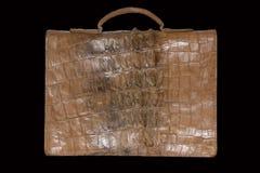L'arrière du portfolio masculin de cuir de crocodile sur un noir Photo libre de droits