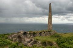 L'arsenic travaille à la côte du nord des Cornouailles image stock