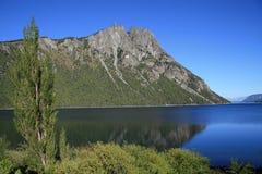 L'artère des sept lacs s'approchent de Bariloche Photos stock