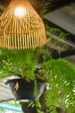 L'arte della decorazione di legno della lampada immagine stock libera da diritti