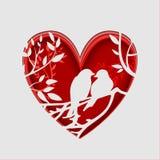 L'arte di carta scolpisce per coppia gli uccelli sul ramo di albero nella forma del cuore, concetto di origami Fotografia Stock