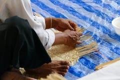L'artisan fait la vannerie de rotin handcraft photos stock