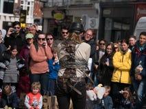 L'artiste d'évasion essaye de s'échapper en Grafton Street, Dublin, Irlande image stock