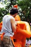 L'artiste d'Argentine découpait des bougies dans Ubon Images libres de droits