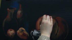 L'artiste peint toujours une vie de pastel clips vidéos