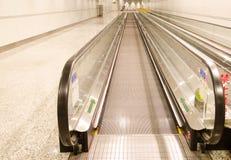 L'ascenseur dans l'aéroport Photographie stock libre de droits