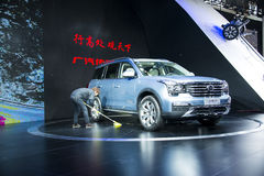 L'Asie Chine, Pékin, exposition d'automobile de l'international 2016, hall d'exposition d'intérieur, dans grand SUV, trumpchi GS8 Photo stock