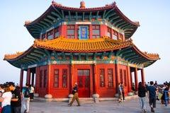 L'Asie Chine, Qingdao, Shandong, pavillon de ŒHuilan de ¼ d'ï de pont en chevalet photographie stock libre de droits