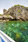 l'Asie la baie phangan d'îles de kho bascule la natation photographie stock