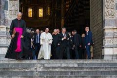 L'aspetto del rappresentante ufficiale di papa Francis di Roman Catholic Church immagine stock libera da diritti