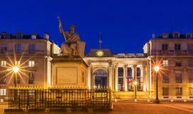 L'Assemblée nationale française la nuit, Paris, France Images stock