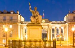 L'Assemblée nationale française la nuit, Paris, France Photos stock