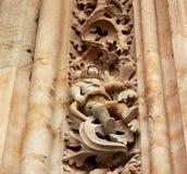 L'astronaute célèbre découpé dans la pierre sur la façade de cathédrale de Salamanque image stock