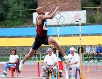L'athlète concurrencent dans le long saut Images libres de droits