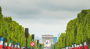 L'atmosphère de rue sur le DES Champs-Elysees d'avenue Photographie stock libre de droits