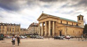 L'atmosphère sur l'endroit Charles de Gaulle dans la configuration d'en de St Germain Images libres de droits
