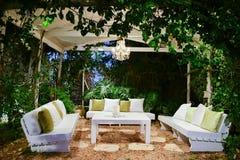 L'atmosphère romantique en soirée sur le porche Images libres de droits