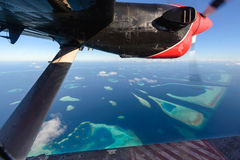 L'atoll des Maldives observant de l'hydravion Photo stock