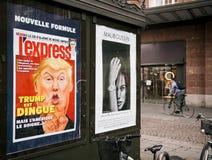 L'atout est la publicité folle sur le panneau d'affichage de ville Images stock