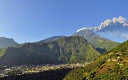 L'attivo del vulcano di Tungurahua fotografia stock libera da diritti