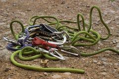 L'attrezzatura per la scalata è sulla corda Fotografia Stock Libera da Diritti