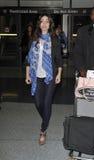 L'attrice Emmy Rossum è veduta all'aeroporto di LASSISMO fotografie stock libere da diritti