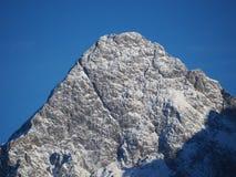 L'Austria, alpi tirolesi Strada al passaggio della felce Paesaggio meraviglioso subito dopo una caduta della neve Immagini Stock