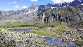 l'austria ` Alpino di Stubai del ` di regione Vista via dal ferrata al ` di Rinnenspitze del ` immagini stock