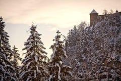 L'Austria, lanscape di inverno al tramonto con neve e Hohenwerfen Ca Fotografie Stock