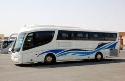 L'autobus moderne pour le transport de touristes Photo stock