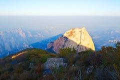 L'automne de coucher du soleil de rochers Photos stock