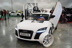 L'automobile bianca del coupé di Audi TT 8J ad una mostra nel ` dell'Expo del croco del `, 2012 mosca Fotografie Stock Libere da Diritti