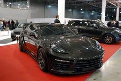 L'automobile di Porsche Panamera GTS ad una mostra nel ` dell'Expo del croco del `, 2012 mosca Fotografia Stock