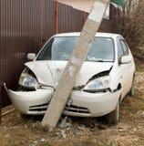 L'automobile si è schiantata in un palo Immagine Stock Libera da Diritti