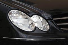 L'automobile si illumina? fotografia stock libera da diritti