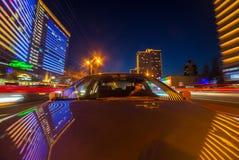 L'automobile si muove alla notte Immagine Stock Libera da Diritti