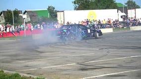 L'automobile sportiva sta andando alla deriva al rallentatore Fotografie Stock Libere da Diritti