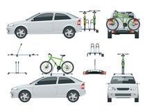 L'automobile sta trasportando le biciclette sul tetto e sulle bici caricati sul retro di un Van Vista laterale e vista posteriore Fotografia Stock Libera da Diritti