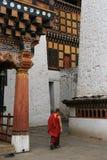 L'autre för D'un tempelÃ (Rinpung dzong - Paro - Bhoutan) Royaltyfri Foto