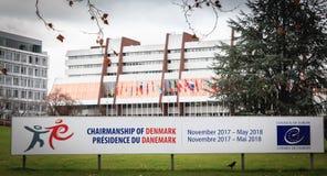 L'avant du Conseil de l'Europe, un signe indique la présidence du Danemark image stock