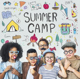L'aventure de camp d'enfants d'été explorent le concept photographie stock libre de droits