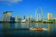 L'aviateur et le paysage urbain de Singapour Photographie stock libre de droits