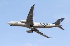 L'avion décolle Image libre de droits