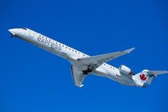 L'avion d'air décollent Images stock