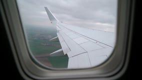 L'avion d?collent et vol banque de vidéos