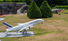 L'avion de modèle d'Air France décollent Images stock