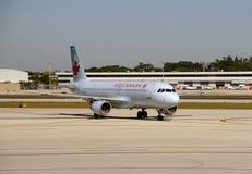 L'avion de passagers d'Air Canada visite pi Lauderdale Photo stock