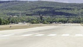 L'avion de reconnaissance ww2 décollent image stock
