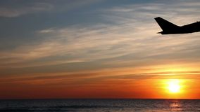 L'avion enlèvent la silhouette clips vidéos